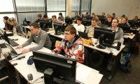 Studenten im PC-Pool