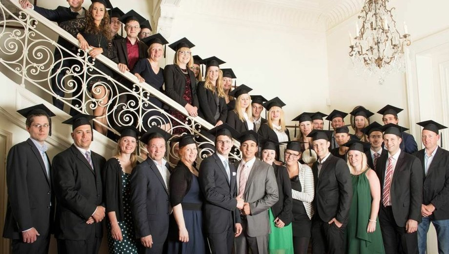 Absolventen der NBS Northern Business School im Sommersemester 2014