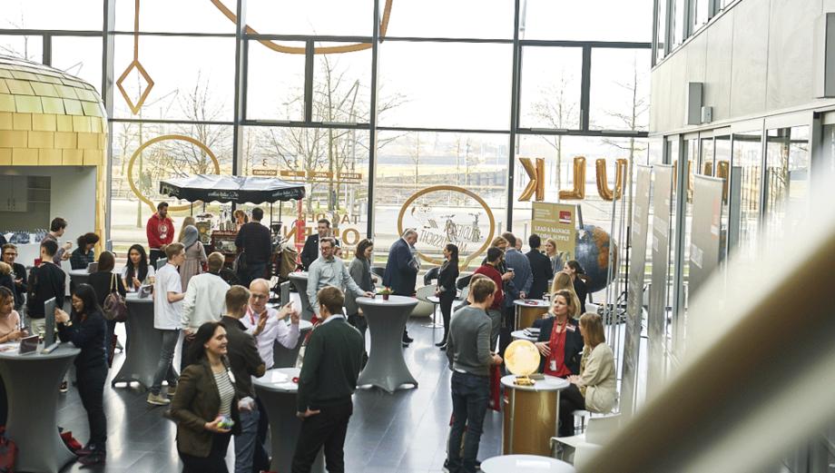 Tyneside Foyer Open Day : Klu kühne logistics university bewertungen zum studium